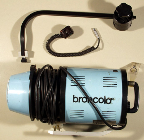 Anyone using older Broncolor strobes (c70)?   Photo net