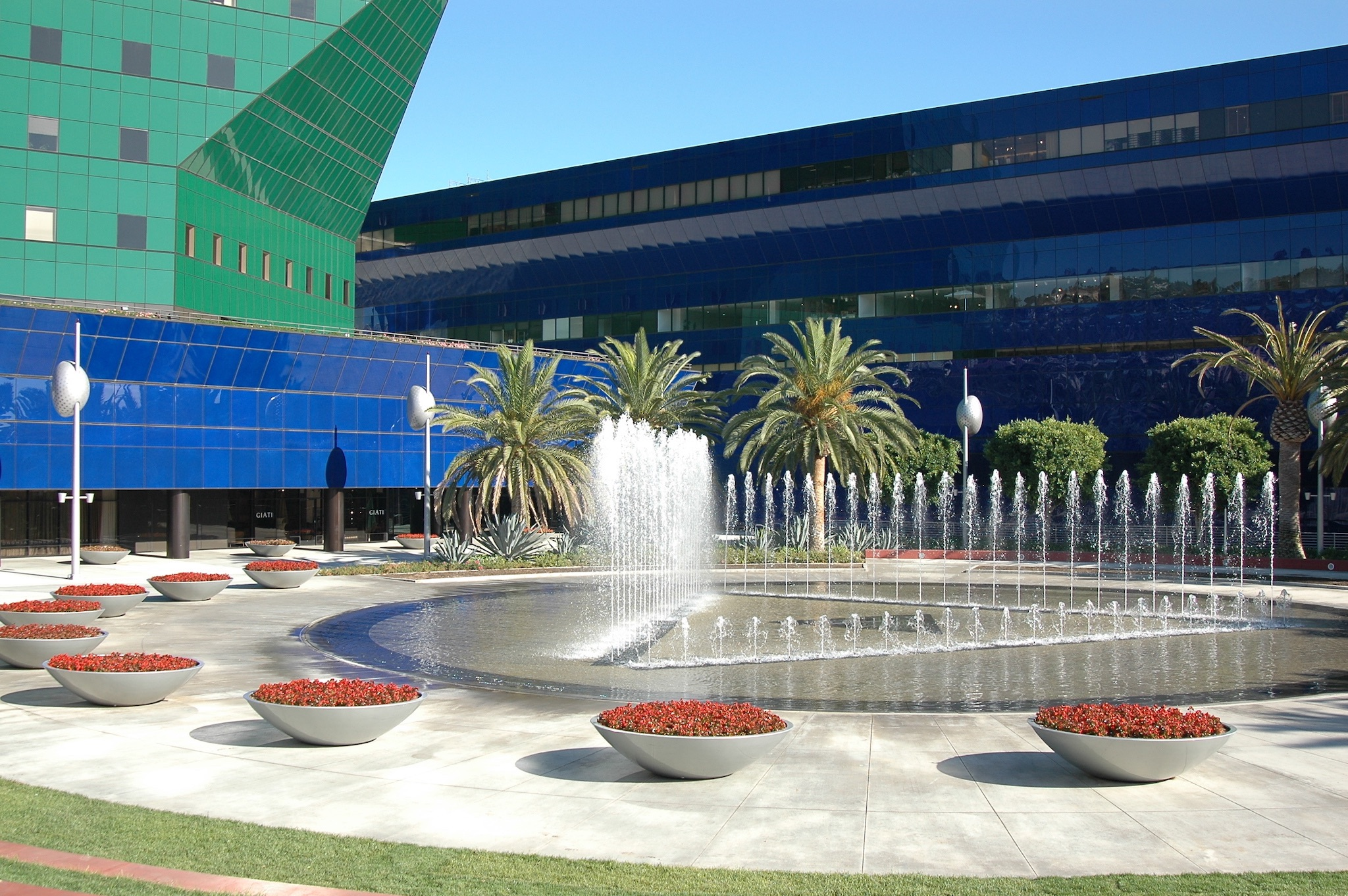 Pacific Design center fountain.jpg