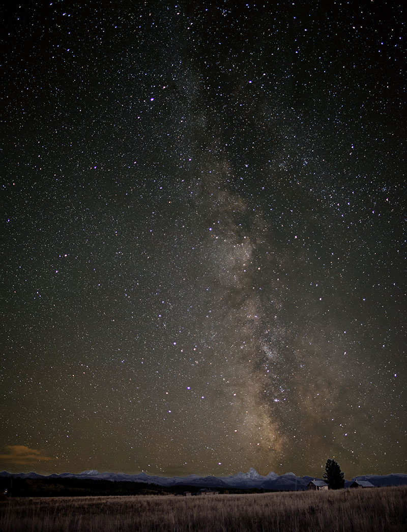 milky way over tetons 2s.jpg