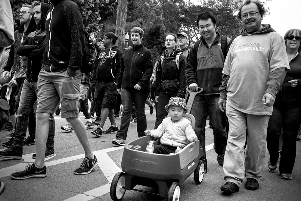 Aidswalk-kid-in-wagon_5824-w.jpg