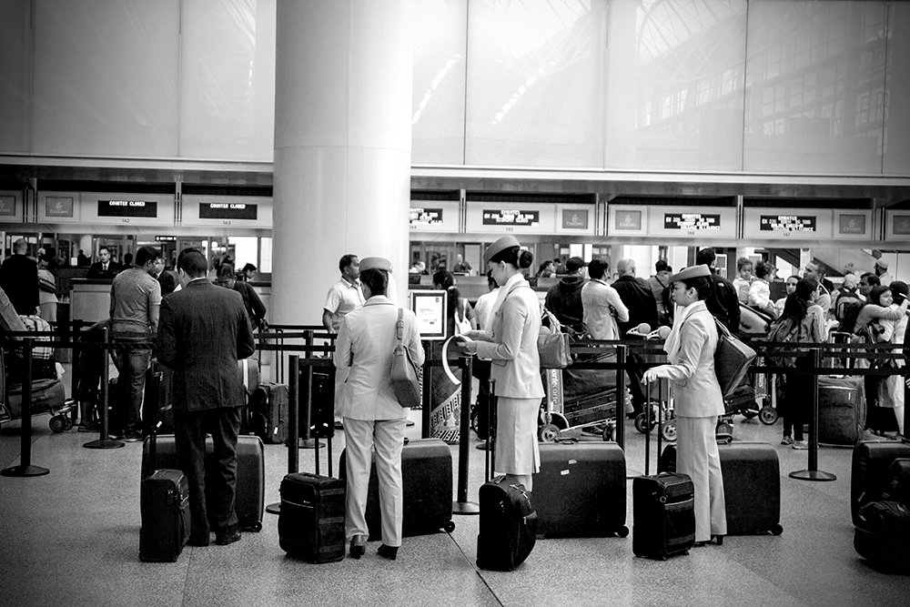 airline-terminal-queue_8220-w.jpg