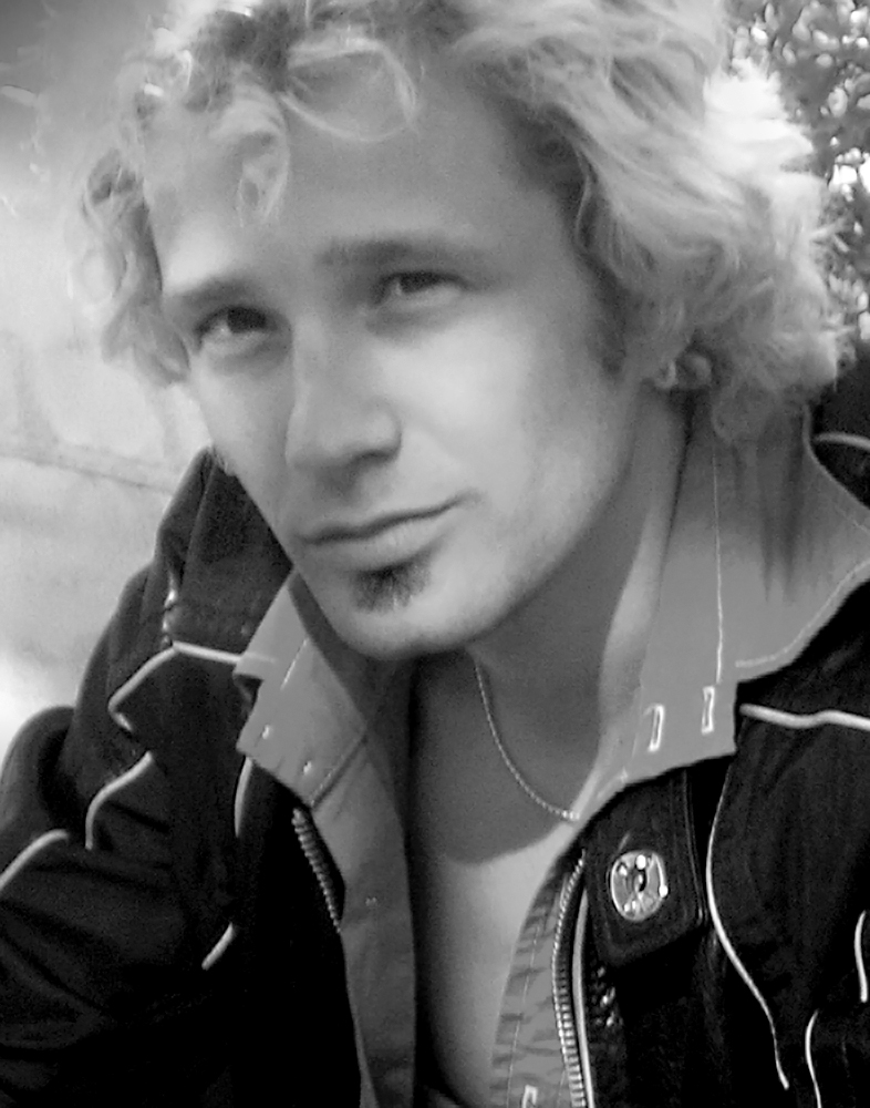blond_with_soul_patch_288-bw-w.jpg