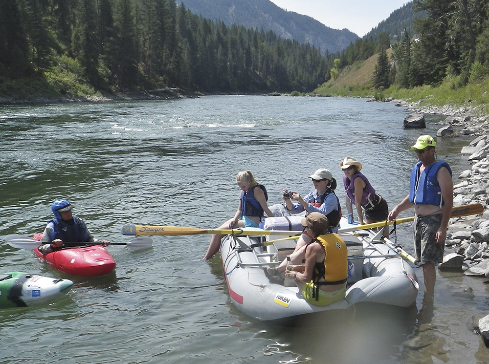 kayaks and raft alpine canyon 7 s.jpg