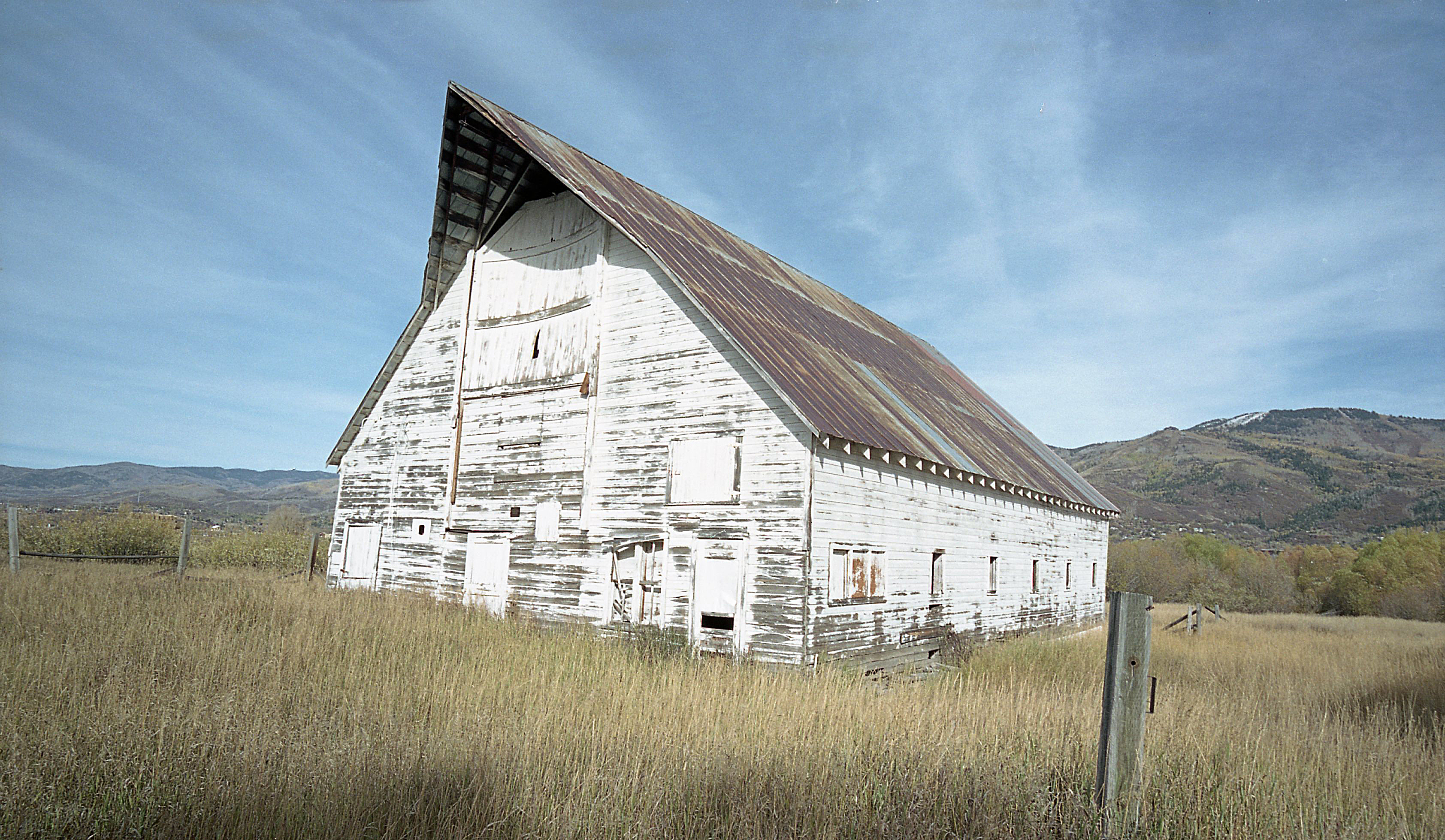 white_barn_S2_Two.jpg