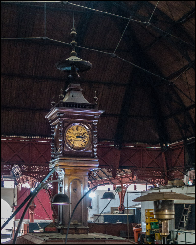 Mercado Central de Montevideo Reloj.jpg