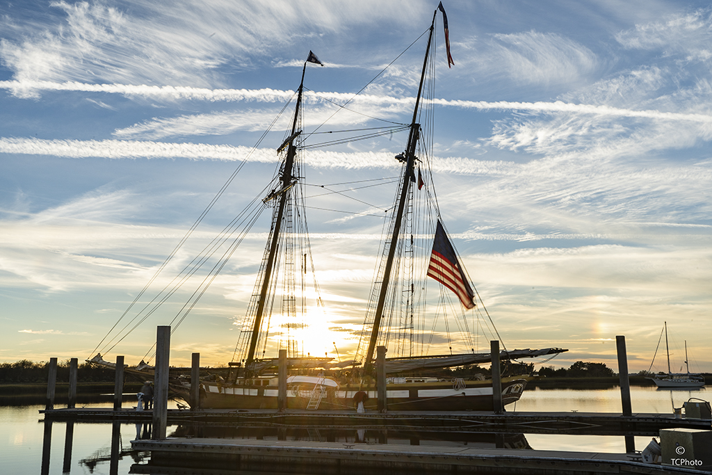 _DSC0365 Sailing Vessel Lynx at Sunset 1a.jpg