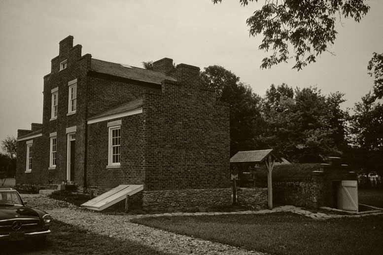 IL-Nauvoo-Brigham-Young-house-abw.jpg