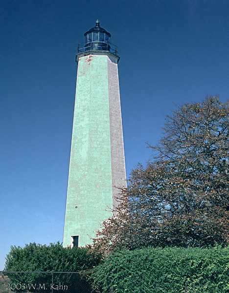 New Haven Light H02.jpg