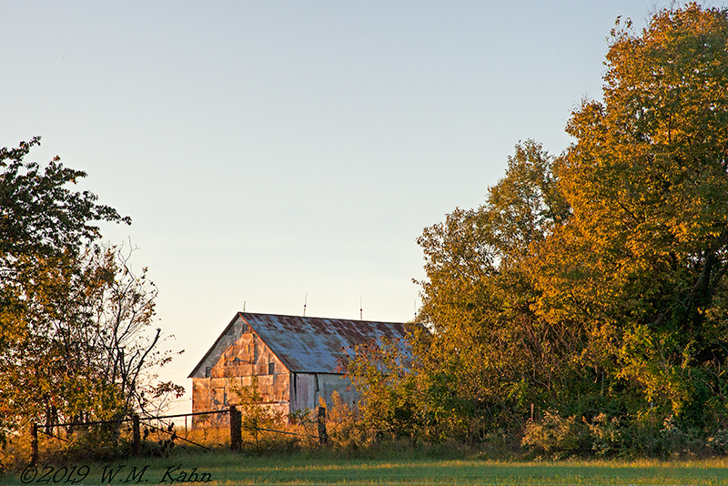 Cole Camp Barn 9-23-19 C5D23a.jpg