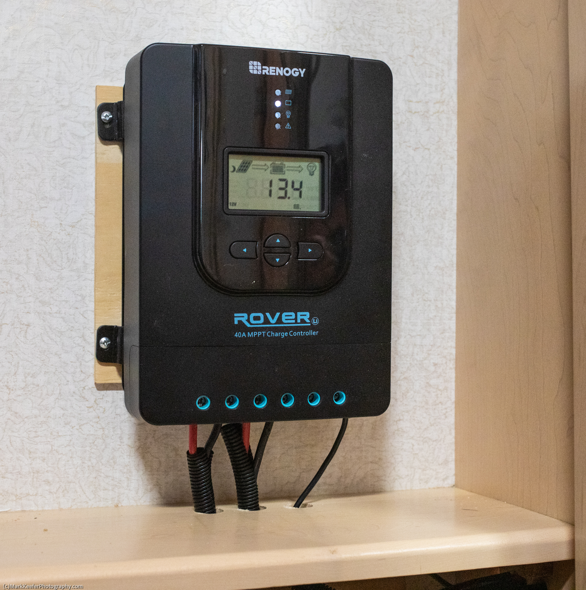 Solar Charge Controller-46505.jpg